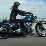 Harley-Davidson anuncia produção em série da Breakout