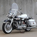 Harley-Davidson de 'Lenda' viva do Rock fatura alto em leilão