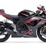Produção e vendas de motocicletas crescem em março, mas primeiro trimestre fecha com retração.