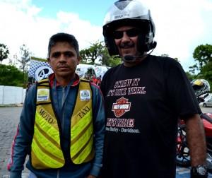 Toni Feitosa (esq) e Murilo Jr (dir)_ Motos usadas como trabalho e hobby lutando por melhores condições