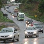 Usar farol baixo durante o dia em rodovias brasileiras agora será obrigatório