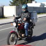 Detran alerta para transporte irregular de cargas em motocicletas