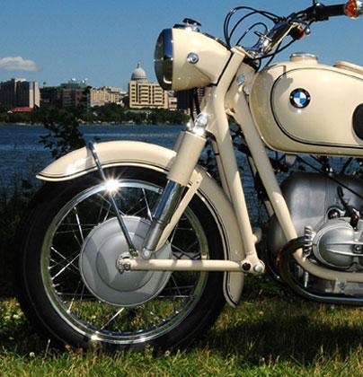 detalhe do garfo Earles usado nas motos BMW antigas