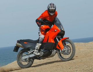 KTM_990_Adventure_launch_Spain_act 101r